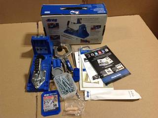 Kreg K4 Pocket-Hole System with Face Clamp, R3 Drill Guide and Pocket-Hole Screws (50-Pack) in good condition
