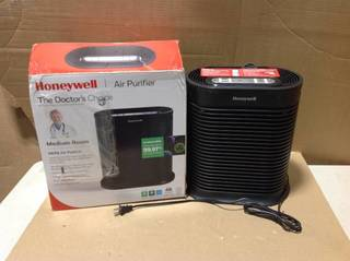 Honeywell True HEPA Air Purifier With Allergen Remover - Black, HPA100 in good condition