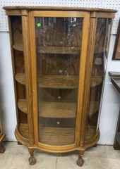 Curved Front And Sides One Door Locking Curio