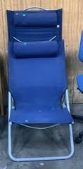 2 Folding Blue Fabric On Metal Lounge Chairs