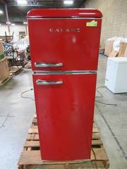 Galanz 7.6 cu. ft. Mini Retro Refrigerator in Red BCD-215V-62H