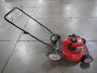 Troy-bilt 21 in. 140 cc 550ex Series Briggs & Stratton Gas Walk Behind Push Mower with 2-in-1 cutting TriAction Cutting System TB110