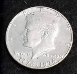 1976-S TYPE 4 SILVER BICENTENNIAL KENNEDY HALF DOLLAR