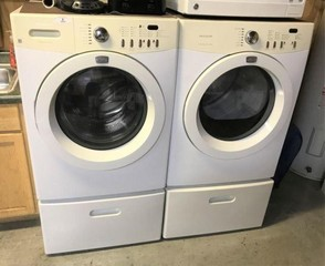 Frigidaire Affinity Washer & Dryer w/Bases