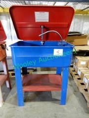 Parts Washer with electric solvent pump