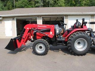 Mahindra 2638 Compact Tractor 4x4 - Loader