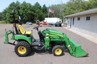 John Deere Lawn tractor w/loader