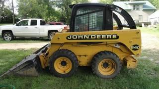 2000 John Deer e 240 Skid Loader
