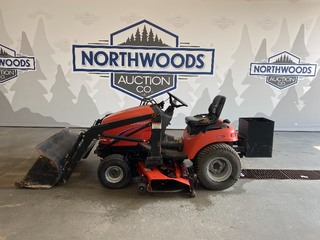 2000 Simplicity Legacy Mower w/Front Loader