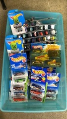 Tote: Apx 50-60 Assorted Carded Hot Wheels