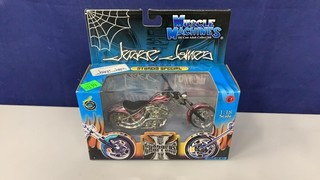 Muscle Machines West Coast Choppers Red 1:18