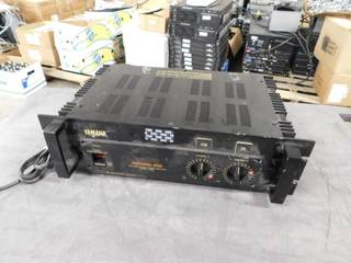 Yamaha P2100 Professional Series 2 channel power amplifier