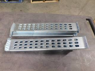 APC Right and left Rackmount Rail Kit for Smart UPS 870 1250B S 870 1251B S