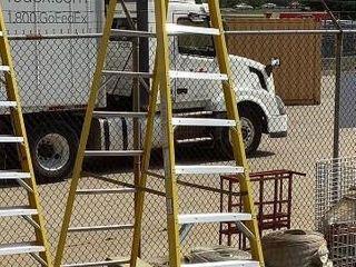 Green Bull 12' Step Ladder