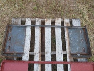 Universal Skidsteer quick tach weld on plate
