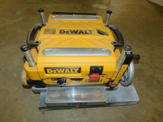 DeWalt DW735 Heavy-Duty 13