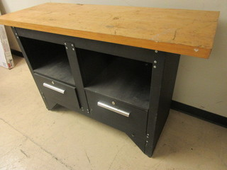 WORKBENCH WITH HARDWOOD WORK SURFACE