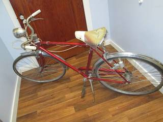 Vintage Robin Hood Bicycle Made in England - *Needs A...