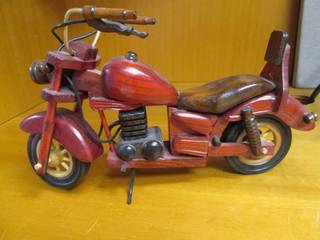 Wood, Hand Carved Motorcycle *Uniqu...