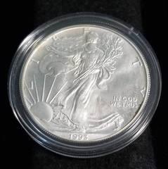 1993 AMERICAN SILVER EAGLE 1 TROY OZ. .999 FINE SILVER IN AIRTITE
