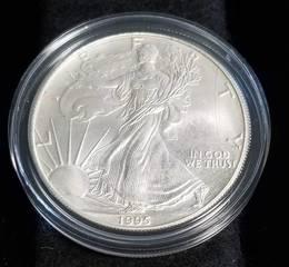 1995 AMERICAN SILVER EAGLE 1 TROY OZ. .999 FINE SILVER IN AIRTITE