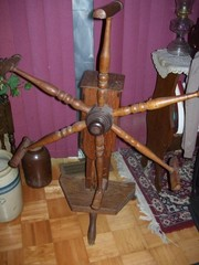 VERY OLD PRIMITIVE YARN WINDER/ SPINNING WHEEL