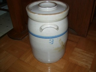 #3 STONE CROCK WITH LID - SOME DAMAGE
