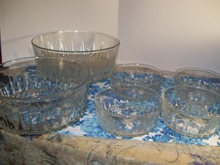 6 PIECE GLASS SALAD SERVING BOWL SET