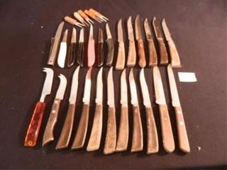 Knife Assortment   24