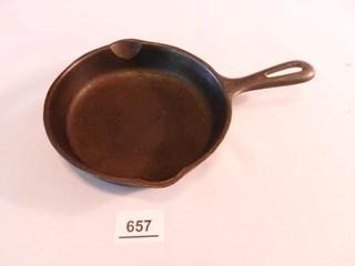Cast Iron Skillet 61 2  diam