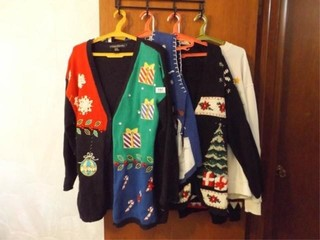 Women s Holiday Sweaters  8  mostly l