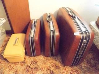 Samsonite Hard Side luggage  4