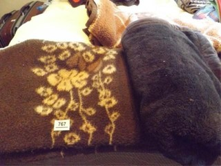 Blankets   Brown  Yellow  4
