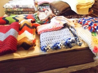 Crocheted Blankets  Shawls  Pieces  8