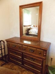 Dresser with Mirror   6 Drawer