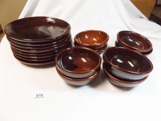 Mar Crest Plates  8  Bowls  8