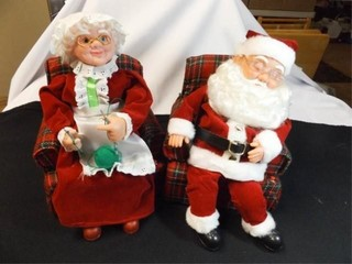 Mr    Mrs  Santa Claus with Boxes