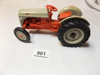 Ford Tractor  Ertl  Metal