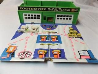 Tootsie Toy Super Service Station
