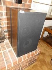 Speakers  2  24  x 15  x 9