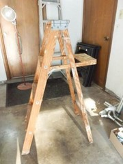4  Wood ladder