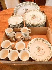 Snowman Stoneware Set  47  Pieces