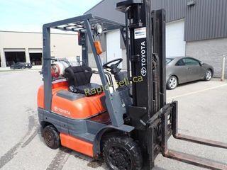 Toyota Forklift- 5000 lb lift