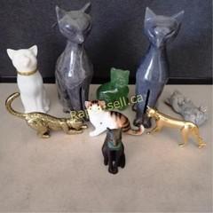 Royal Doulton & Curio Cabinet Cats Collection Plus