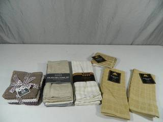 18 New Assorted Kitchen Towels