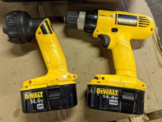 DeWalt Cordless Drill Driver 3 8 VSR DW 928 Type 1 And Work light DW906 Type 1