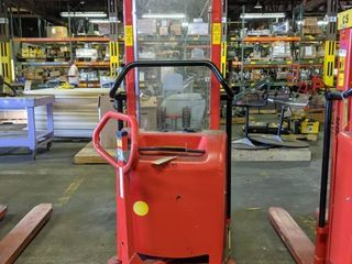 logitrans Interthor Pallet lift EHS 1001 1400 Capacity 2200 lBS lX323896