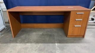 Desk 72x24x28.5