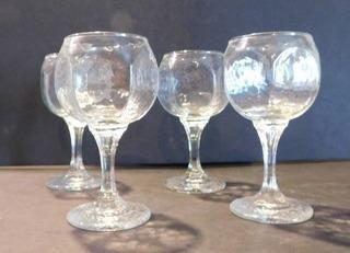 Champagne Glasses  4 ea