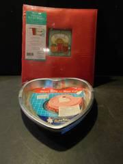 Recipe Binder  NEW    Baking Tins  3 ea